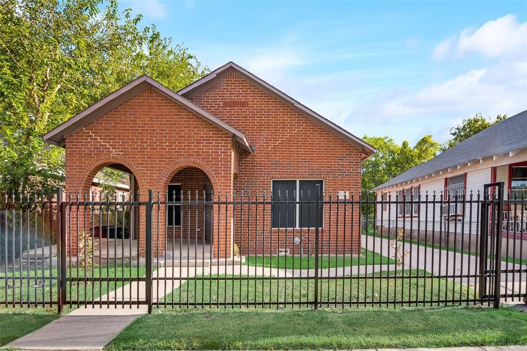 1112 Bessie St, Fort Worth, TX 76104