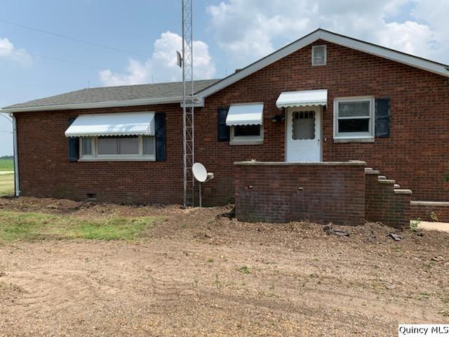 1898 E 2600th St, Camp Point, IL 62320