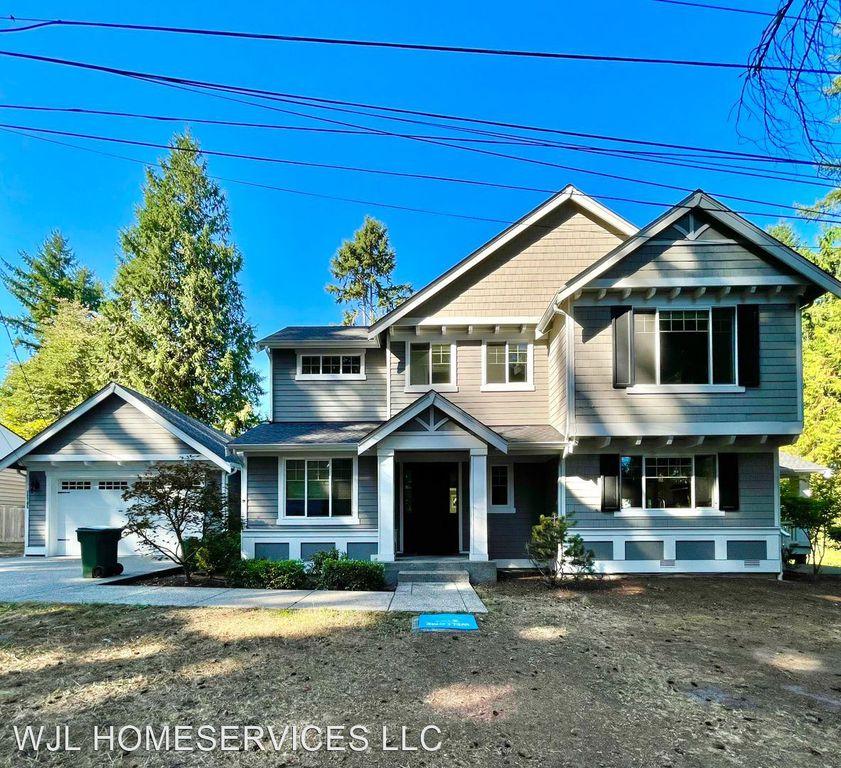 12705 10th Ave NE, Seattle, WA 98125
