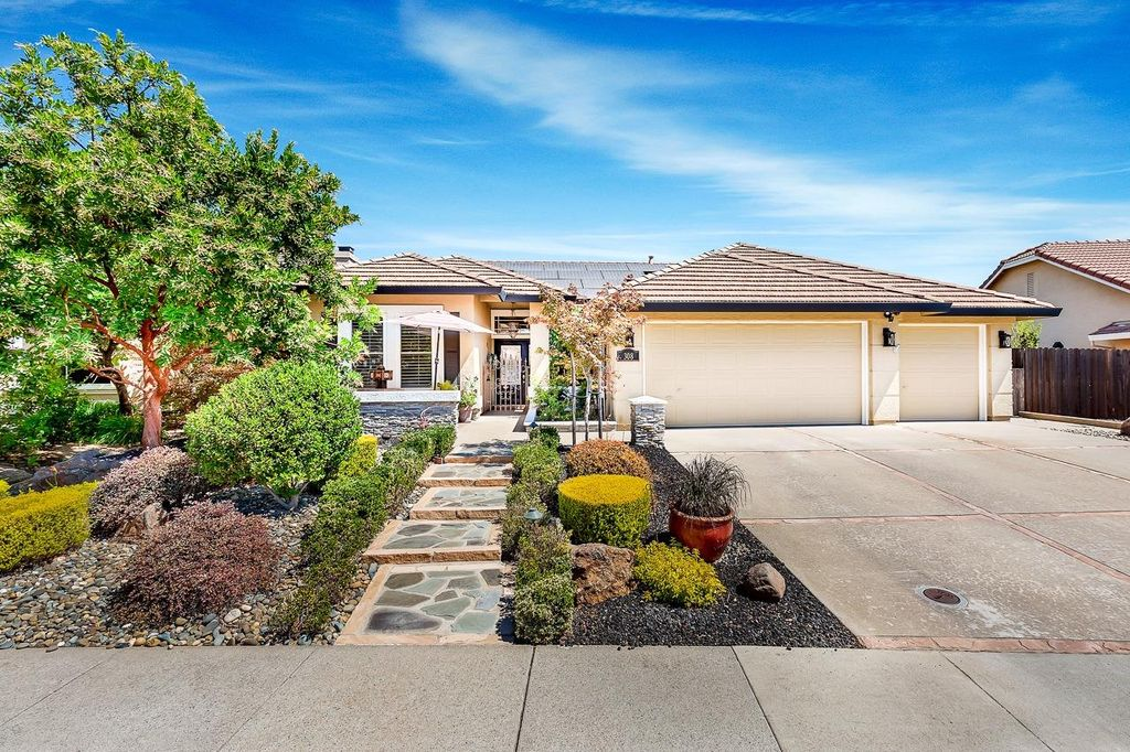 308 Morecombe Ct, Roseville, CA 95747