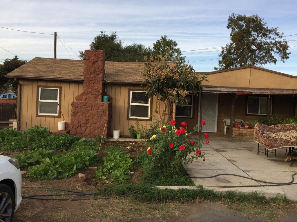 921 N 1st St, El Cajon, CA 92021