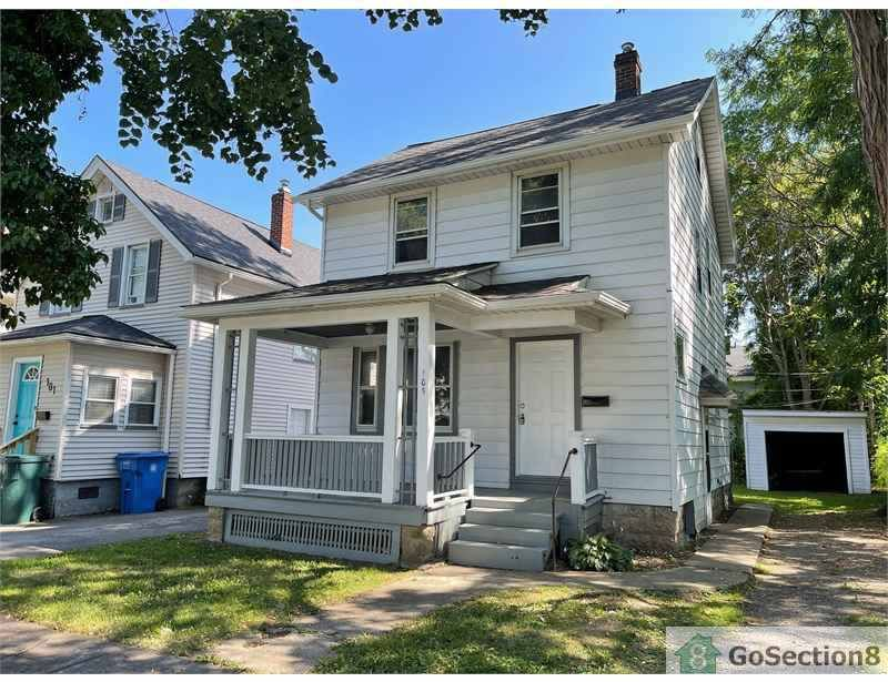 105 Dickinson St, Rochester, NY 14621