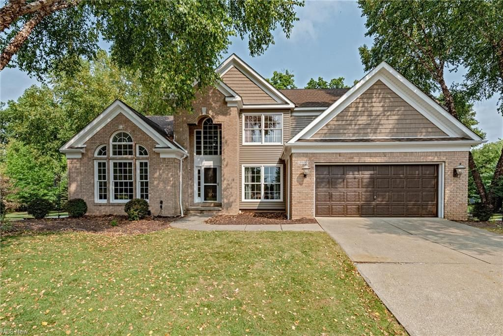 19990 W Kerry Pl, Strongsville, OH 44149