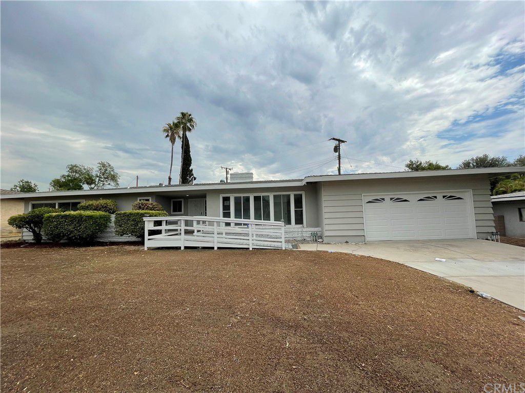 247 Palmyra Dr, San Bernardino, CA 92404