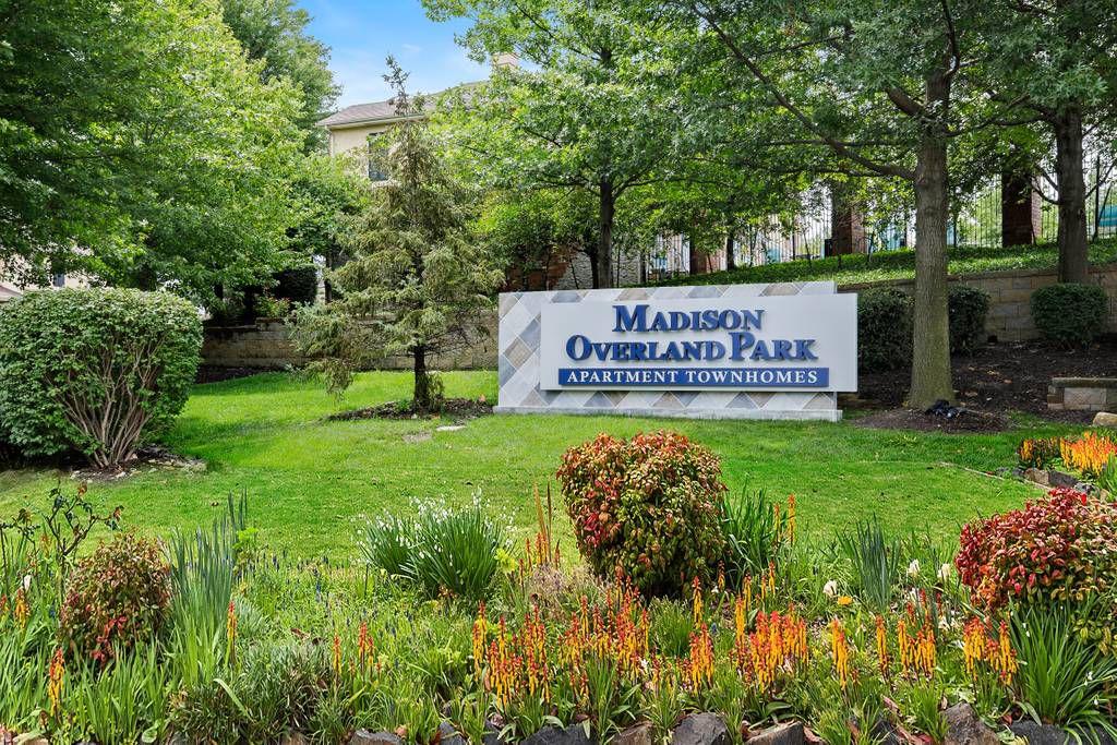 13900 Newton St, Overland Park, KS 66223