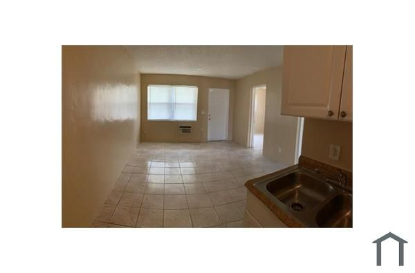 1709 NW 7th St, Fort Lauderdale, FL 33311