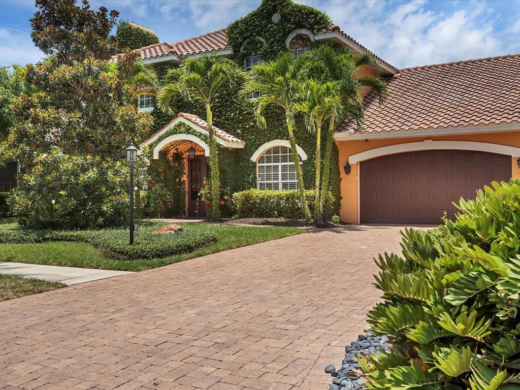 213 Gaines Ave, Sarasota, FL 34243