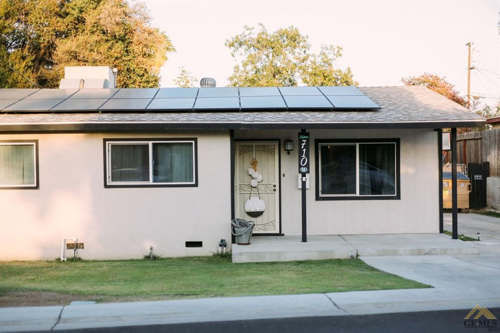 710 Butler Rd, Bakersfield, CA 93304
