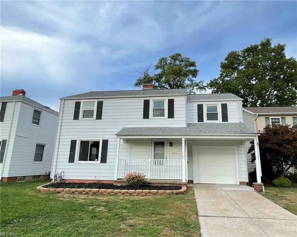 2245 Sunset Dr, Wickliffe, OH 44092