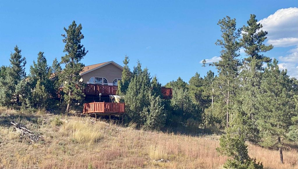 27419 Woodland Dr, Hot Springs, SD 57747