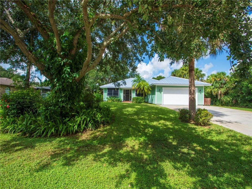 915 47th Ave SW, Vero Beach, FL 32968