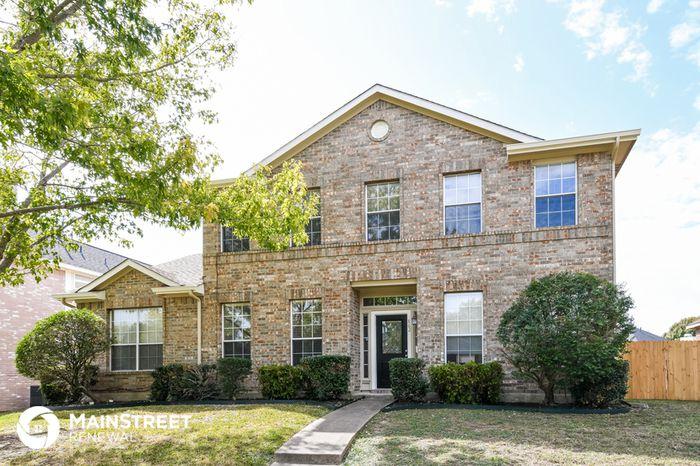 862 Raintree Ln, Desoto, TX 75115
