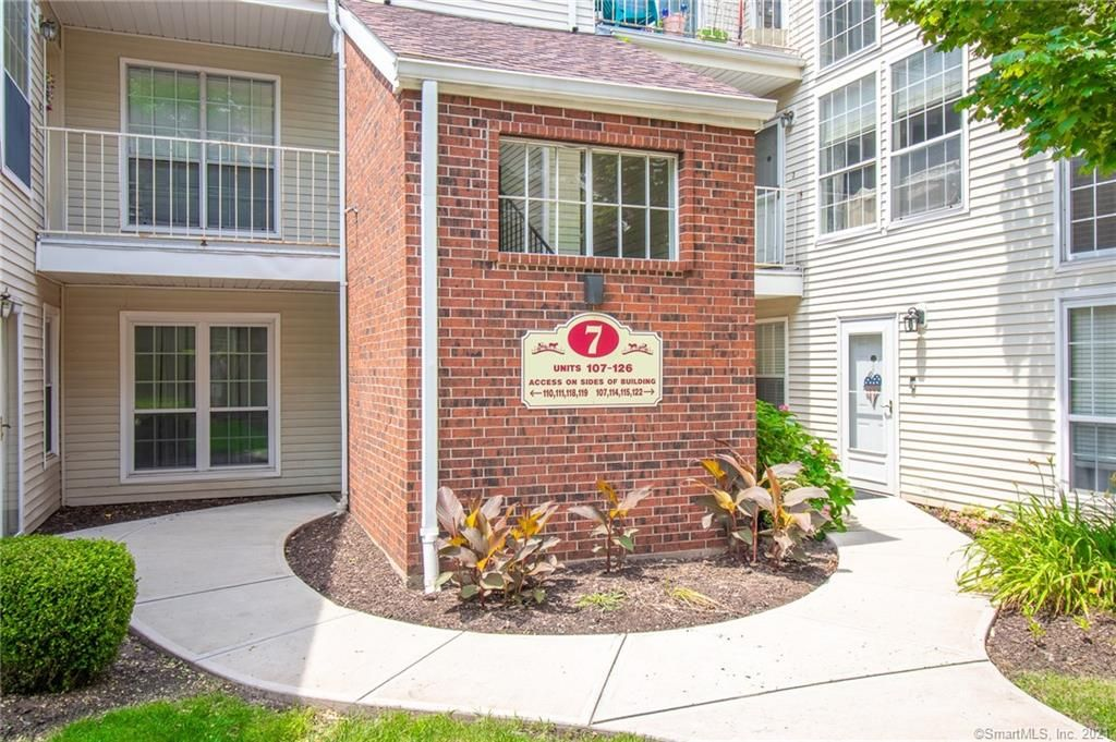 116 Carriage Crossing Ln #116, Middletown, CT 06457