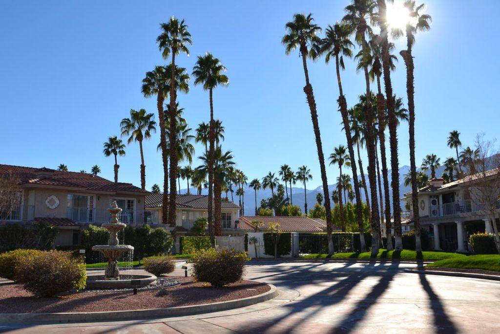 500 S Farrell Dr #N87, Palm Springs, CA 92264