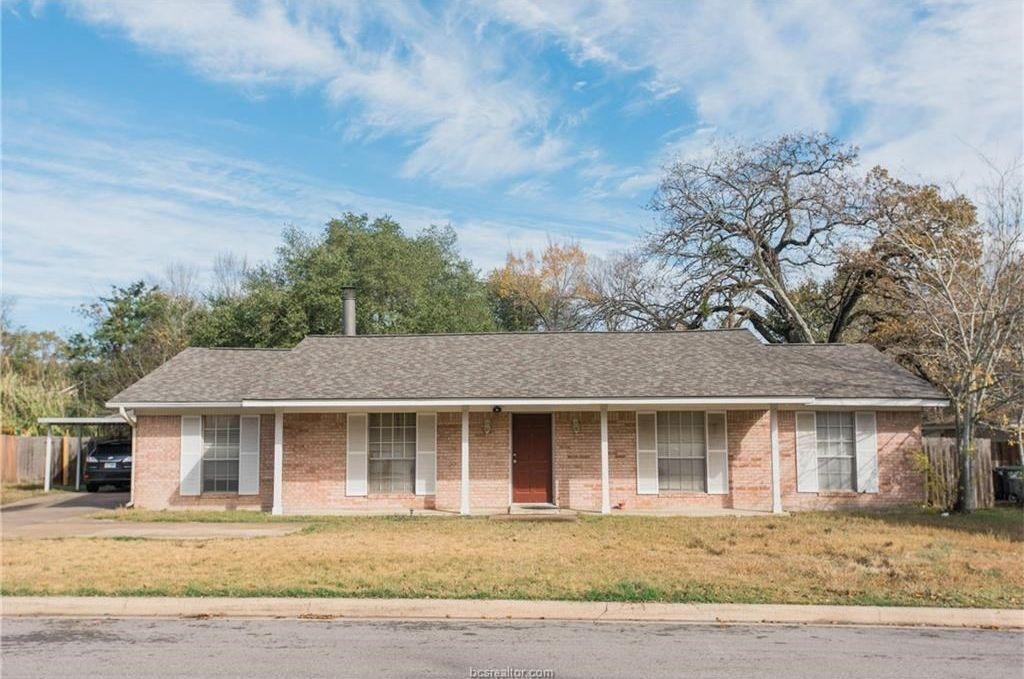 1207 Glade St, College Station, TX 77840