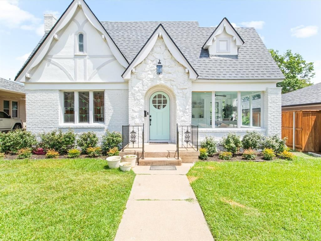 4020 Bunting Ave, Fort Worth, TX 76107