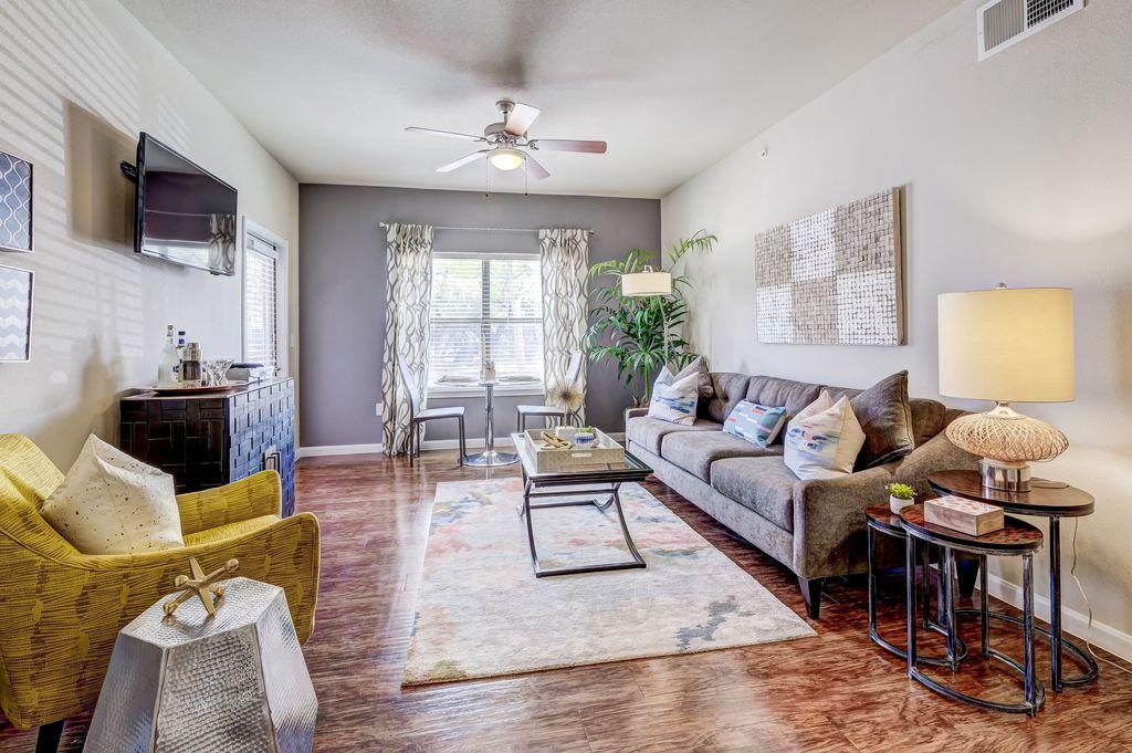 14811 Huebner Rd, San Antonio, TX 78231