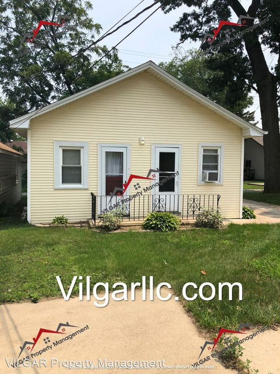 133-135 Lindberg St, Griffith, IN 46319