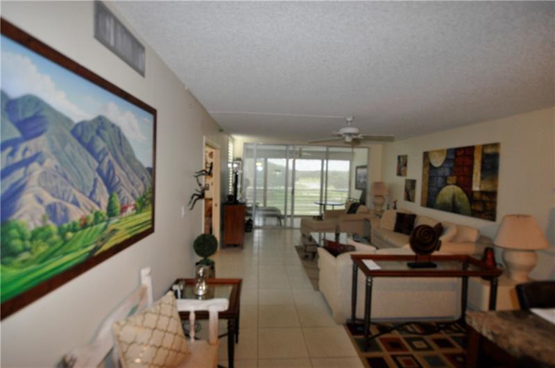 3510 Oaks Way #405, Pompano Beach, FL 33069