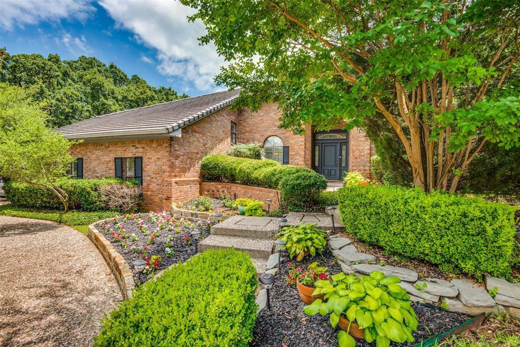 1700 Timber Ridge Cir, Corinth, TX 76210