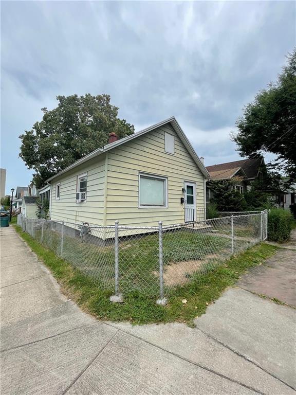 162 Benton St, Rochester, NY 14620
