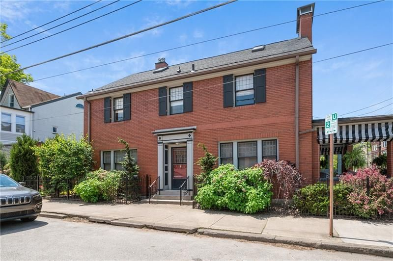 5438 Howe St, Pittsburgh, PA 15232