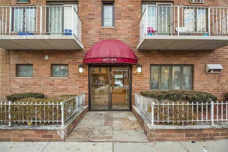 651 Kennedy Blvd #302, Bayonne, NJ 07002
