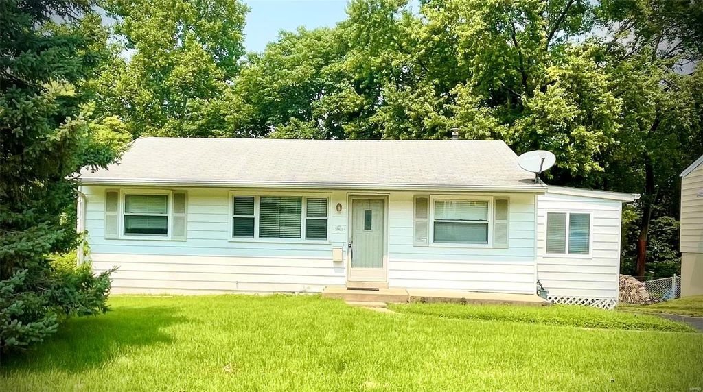 5909 Staely Ave, Saint Louis, MO 63123