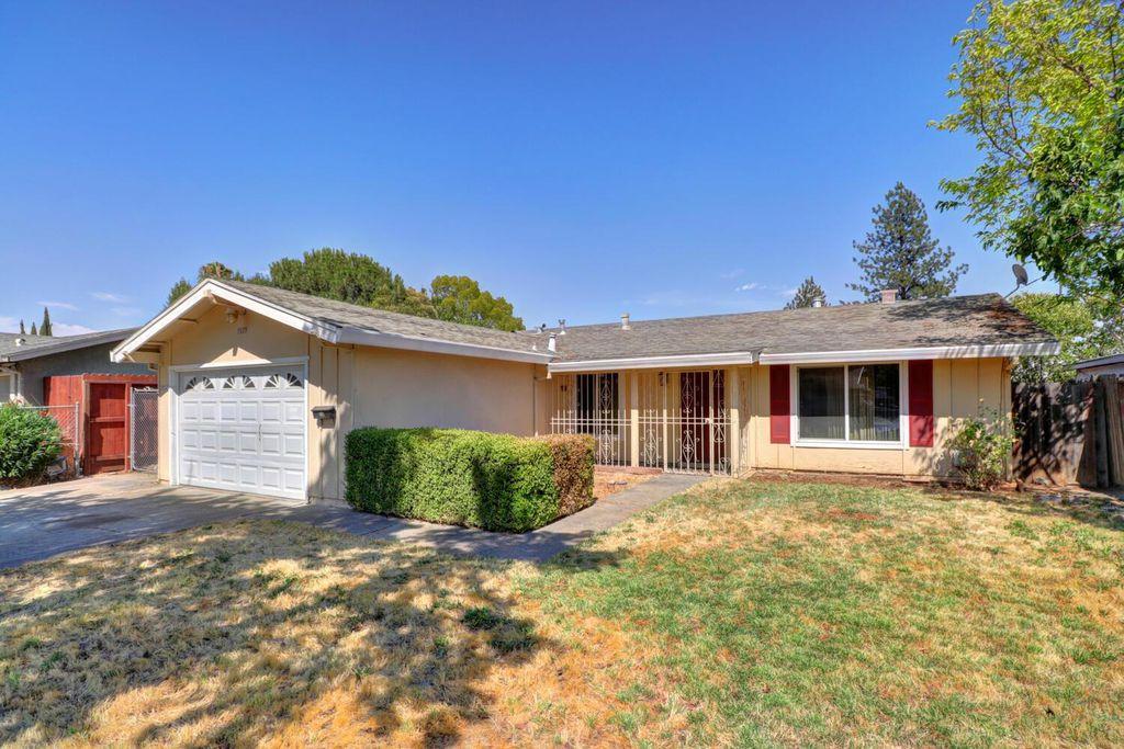 7679 Millroy Way, Sacramento, CA 95823