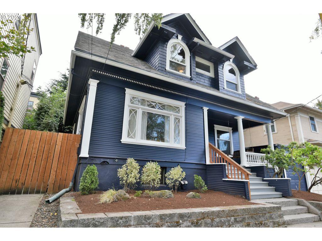 1916 SE Alder St, Portland, OR 97214