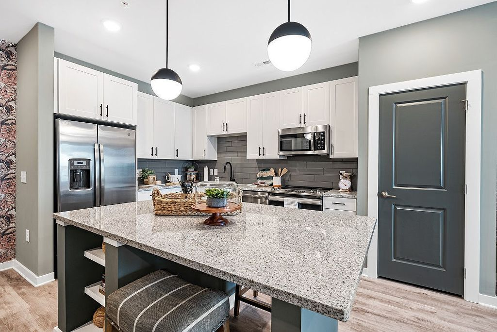 1106 Scenic Club Dr, Cary, NC 27519