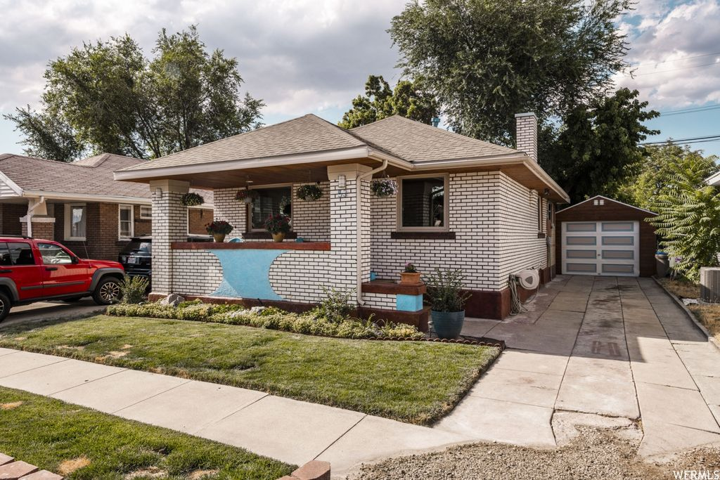 53 E Redondo Ave, Salt Lake City, UT 84115
