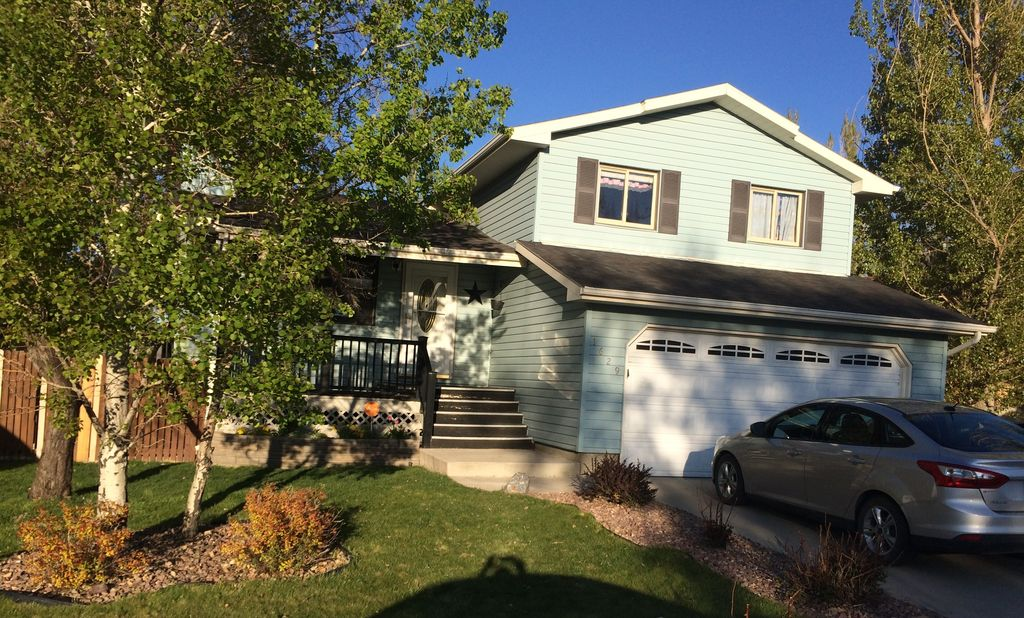 1629 Overland Dr, Rock Springs, WY 82901