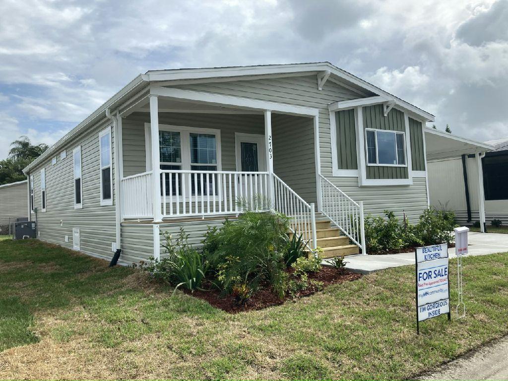 LaBelle Plan in Starlight Ranch, Orlando, FL 32822