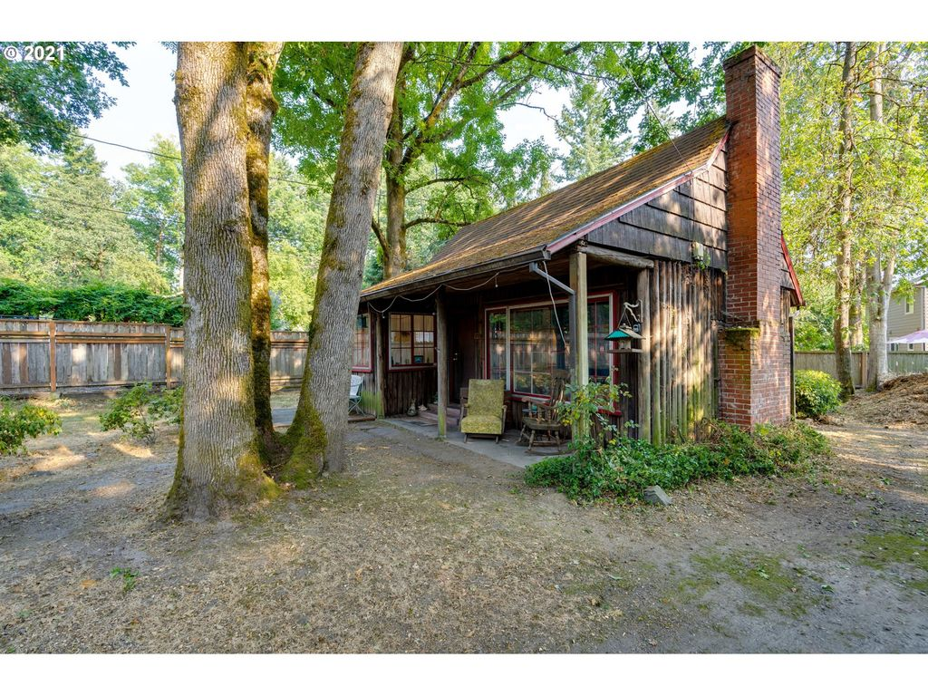 7710 SW Florence Ln, Portland, OR 97223
