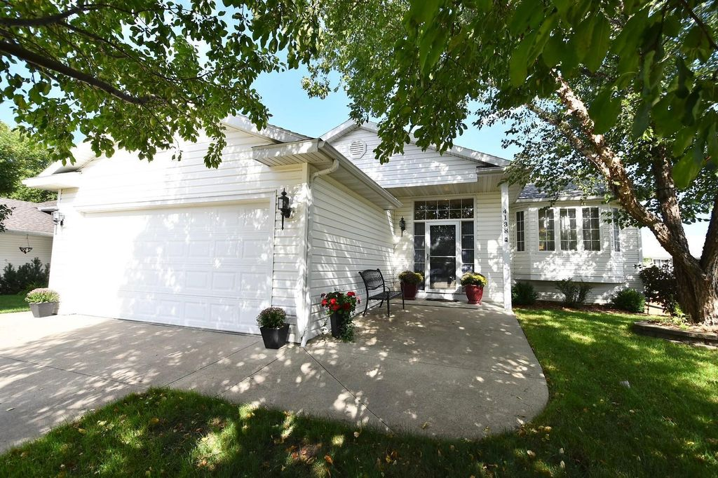 4138 Glouster Ln NW, Rochester, MN 55901
