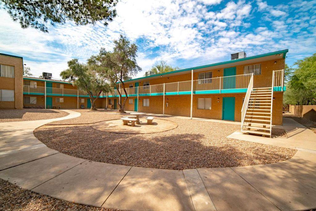 1337 E Allen Rd, Tucson, AZ 85719