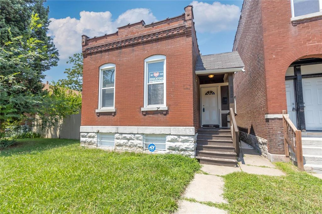 3425 Montana St, Saint Louis, MO 63118