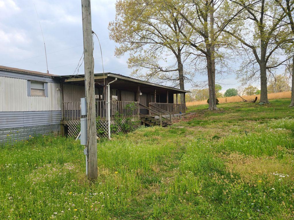 1960 Douglas Rd, Browder, KY 42326
