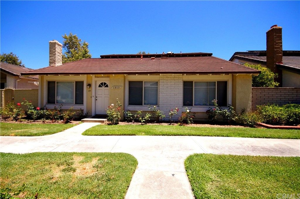 1913 W Wakeham Pl, Santa Ana, CA 92704