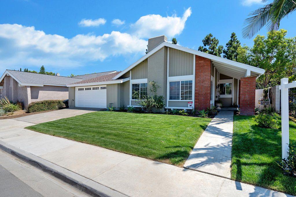 937 Dahlia Ave, Costa Mesa, CA 92626
