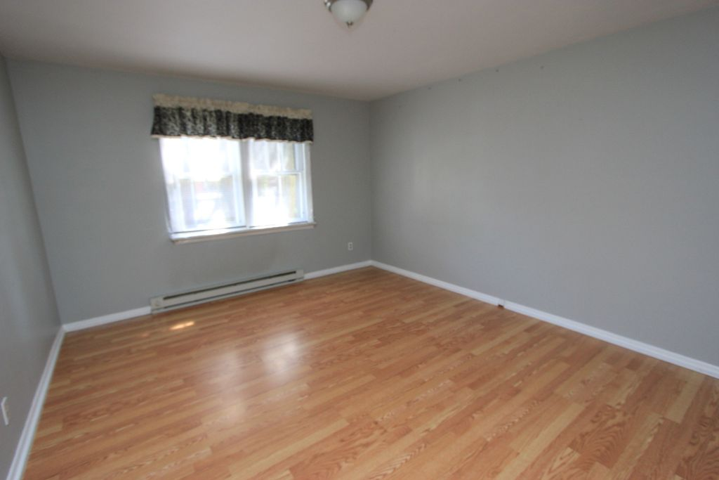 40 Irving Pl #3, Wilkes Barre, PA 18702