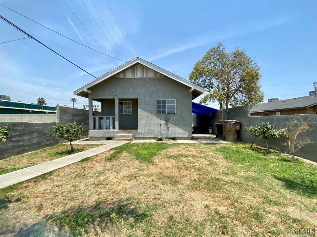 106 E 8th St, Bakersfield, CA 93307