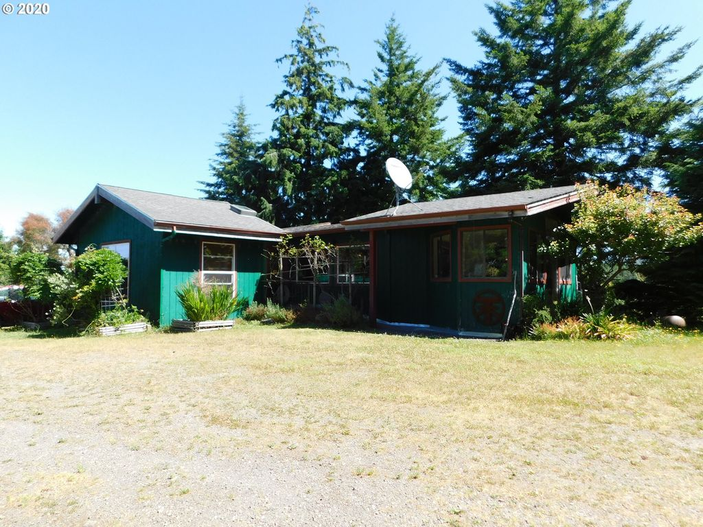 93810 China Mountain Rd, Port Orford, OR 97465