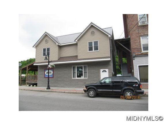 78 N Main St, Dolgeville, NY 13329