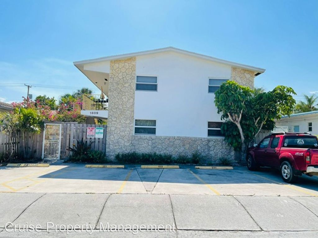 1609 S Federal Hwy #203, Lake Worth, FL 33460