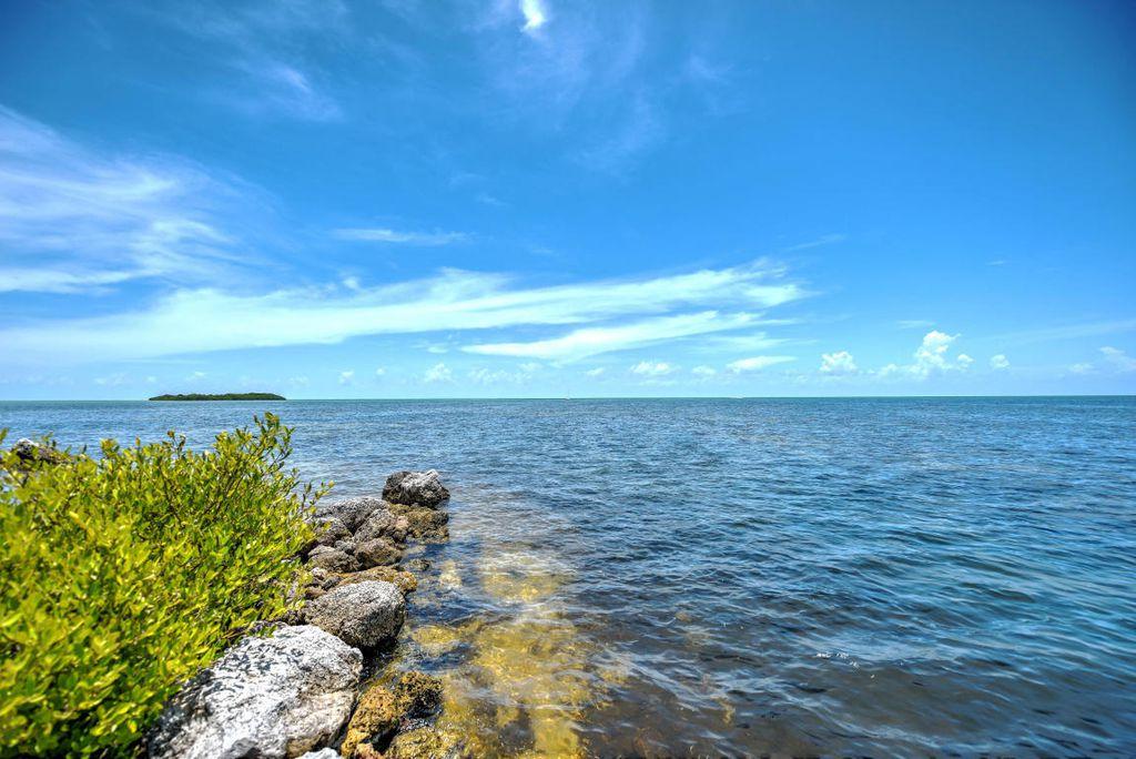 95301 Overseas Hwy, Key Largo, FL 33037