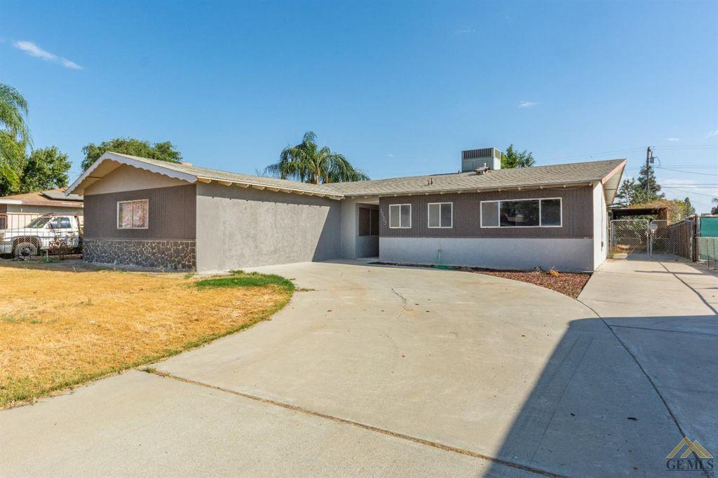 6605 Cedarcrest Ave, Bakersfield, CA 93308