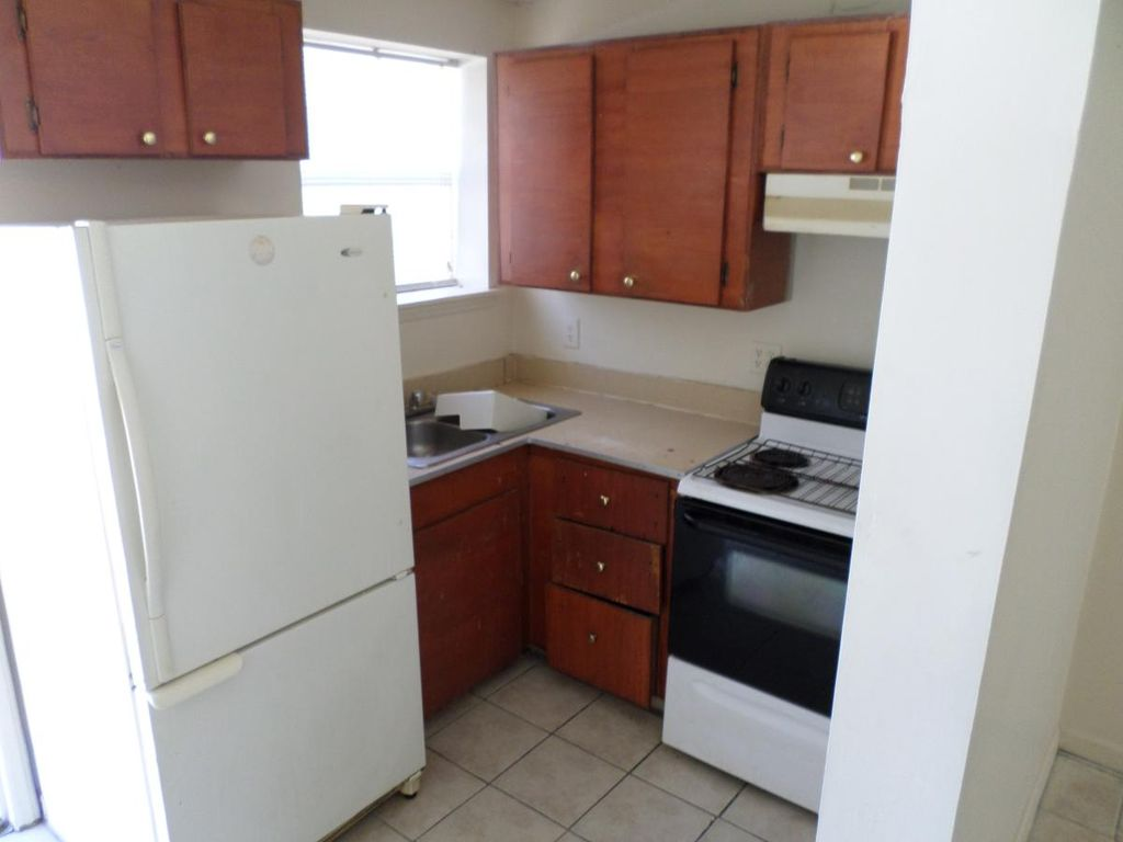 2211 Pinehurst Rd, Columbia, SC 29204
