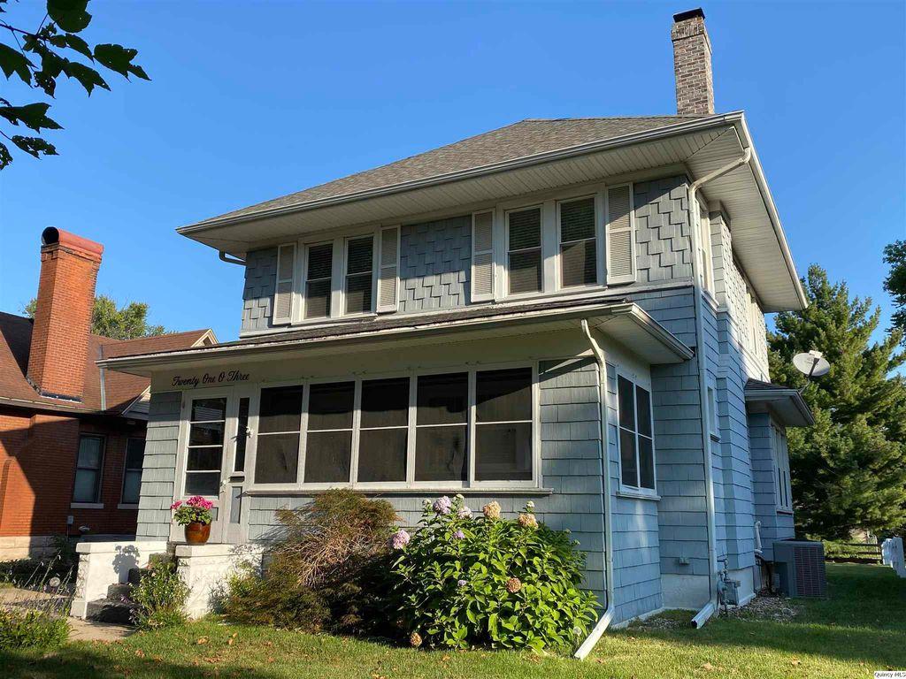 2103 Hampshire St, Quincy, IL 62301